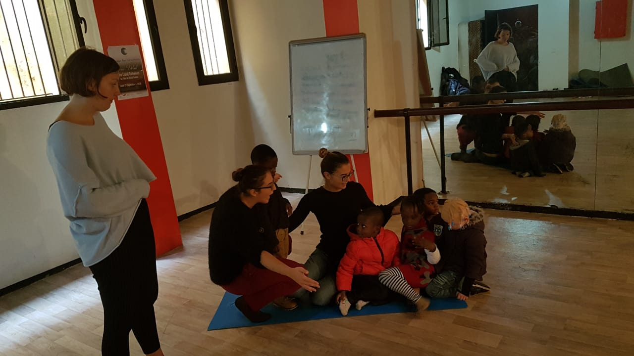 Exercises of psychomotricity: every Thursday for the kids of our kindergarten at the Fondation Orient-Occident