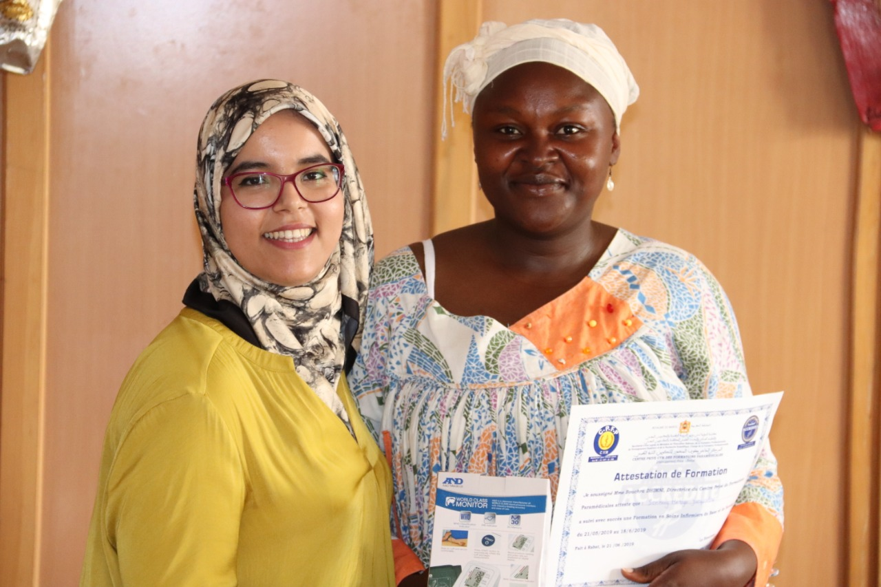 Ceremony of release of certificates of attenance for 15 refugee and migrant women who had followed a training in basic nursing – Photos
