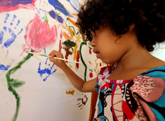 Painting workshop for children at the Fondation Orient-Occident of Rabat.